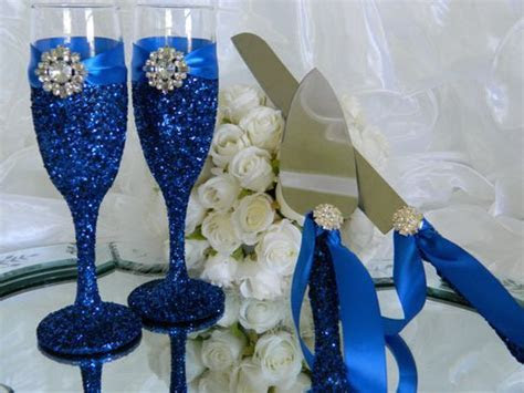 Wedding cake tables, Champagne flutes and Flute on Pinterest