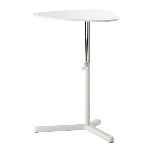 SVARTÅSEN Tietokonepöytä IKEA Helppo ja nopea säätää oikealle korkeudelle jalassa olevan säätimen avulla.