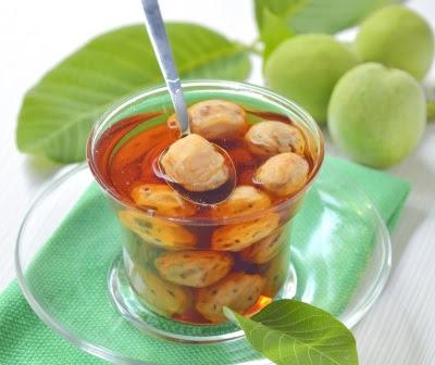 Отвар из зеленых грецких орехов