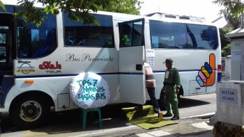 Di Solo Bus Pariwisata Di Sulap Menjadi Tempat Pemungutan Suara (TPS)