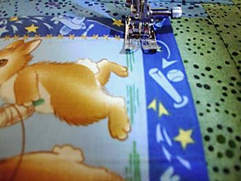 Passe uma costura decorativa