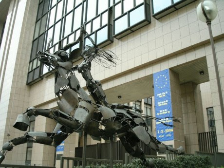 12 Pictures That Demonstrate How The New World Order Openly Mocks Us Europa Statue EU Headquarters Brussels 460x345