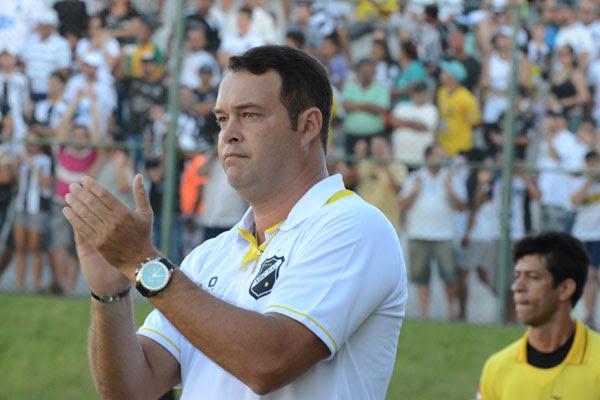 Roberto Fernandes tem planos ousados para o alvinegro em 2014