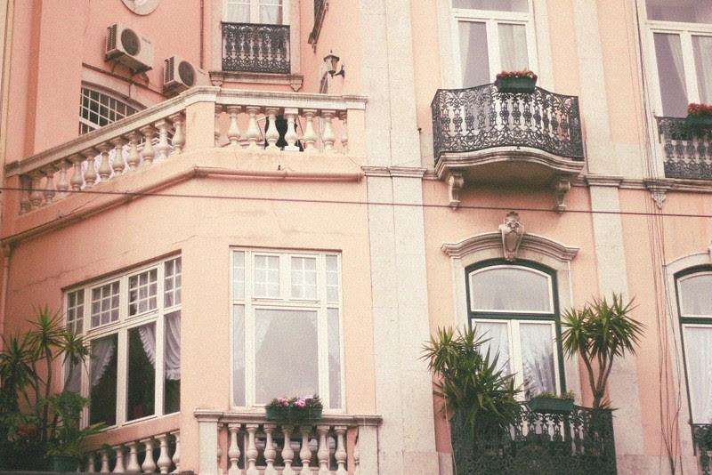 lisbon pink facade