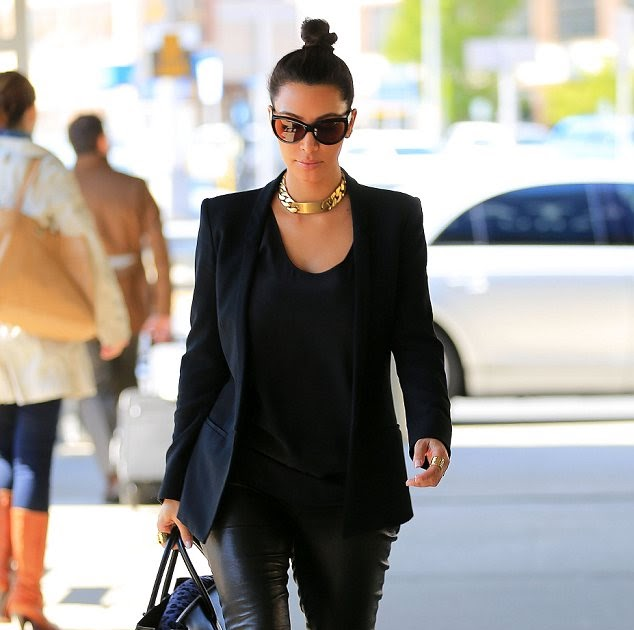 Kim Kardashian Just Loves Her Black Leather Pants: Reality