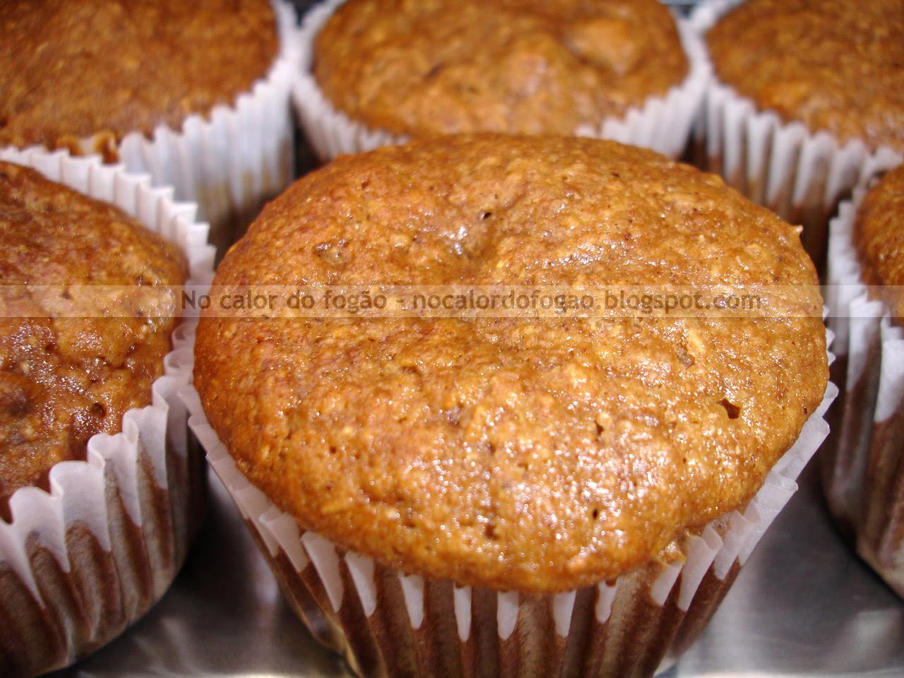 Muffin integral de banana, nozes e passas