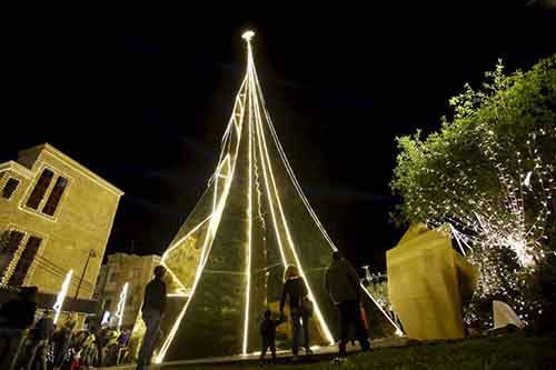 11-most-spectacular-christmas-trees-in-the-world-artnaz-com-10