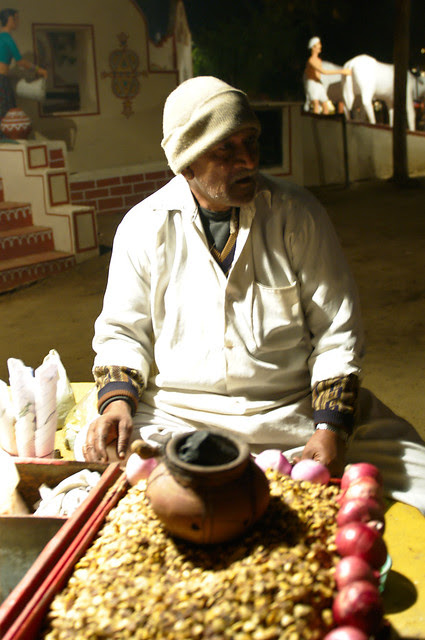Chana Jor Garam vendor