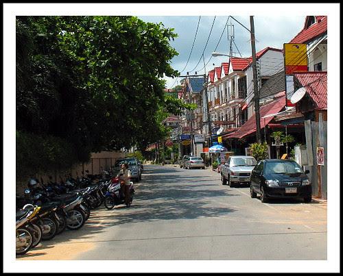 Street in Kata Noi