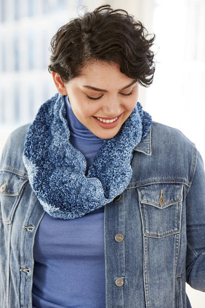 Gradient Ripple Cowl (Crochet)