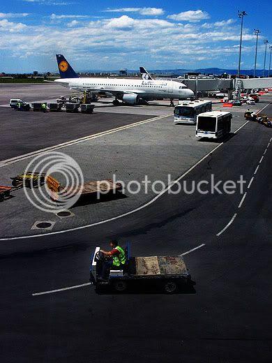 avião no aeroporto de Sófia