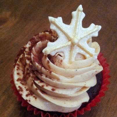 chestnut and cream cupcake by tam mabley-chaisson