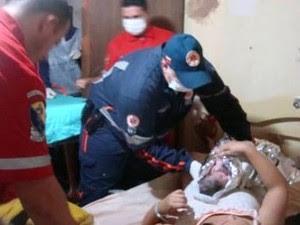 Samu ajudou no resto do procedimento  (Foto: Ananda De Veza/Divulgação)