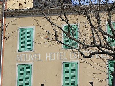 nouvel hotel du commerce.jpg