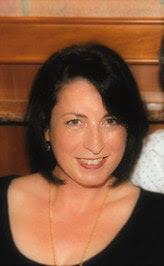 Headshot for author Anna Willett.