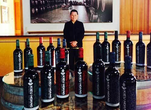Hoàng Kiều, tỷ phú, rượu vang, gốc Việt, người Mỹ, đô la, đất Mỹ, Hoàng-Kiều, tỷ-phú, rượu-vang, gốc-Việt, người-Mỹ, đô-la, đất-Mỹ,