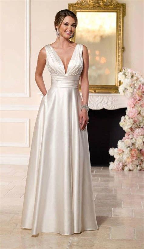 Best 25  Older bride ideas on Pinterest   Wedding dress