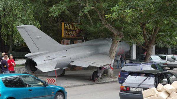 Con la constante se estrella su flota de MiG-21, tal vez la mejor manera de salir de la IAF es, sin duda los deje en el suelo. (Imagen: Humor del ejército)