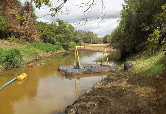 Moradores de Espanta Gado, em Queimadas, reclamam de precariedade do sistema de captação de água da comunidade | Foto: Notícias de Santaluz