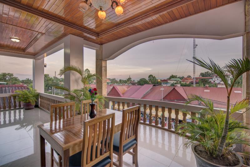 Review DV Angkor Villa