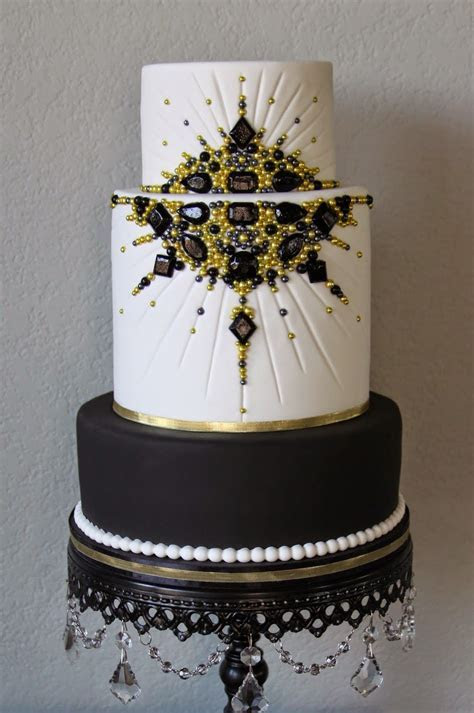 .: Black and Gold Jeweled Old Hollywood Cake   Red carpet