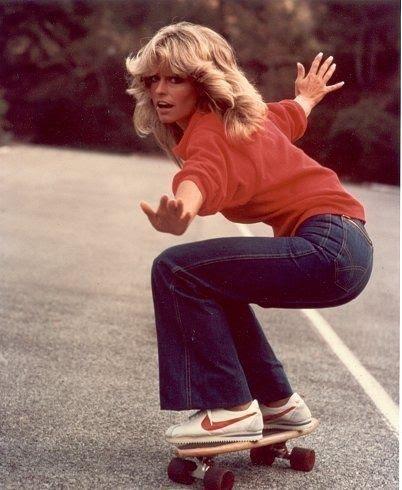 Farrah Fawcett uma das 1° posers no skate feminino ...
