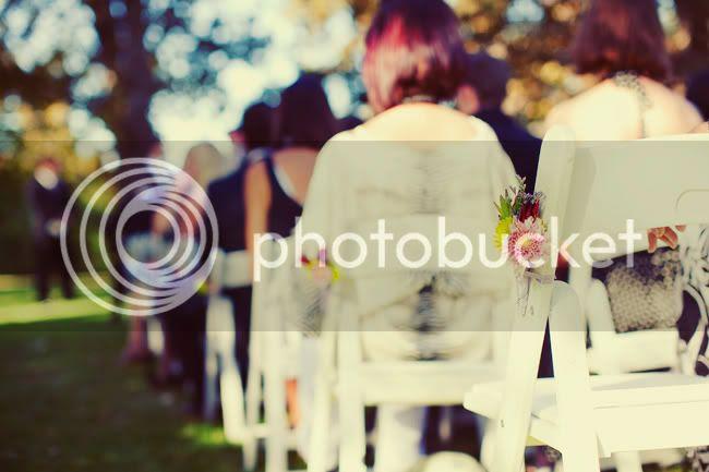 http://i892.photobucket.com/albums/ac125/lovemademedoit/TN_autumnwedding_017.jpg?t=1306494222