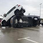 זה קרה בישראל: מכוניות התרוממו באוויר כתוצאה מסופה - כלכליסט