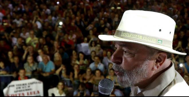 El expresidente Luiz Inacio Lula da Silva durante un mitin en Sao Leopoldo. - REUTERS
