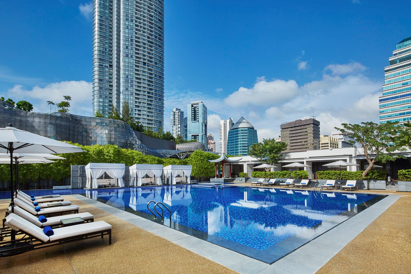 photo Singapore Marriott Tang Plaza Hotel_Swimming Pool.jpg