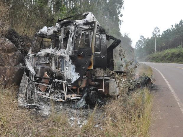 Motorista escapou sem ferimentos (Foto: Divulgação/Portela Online)