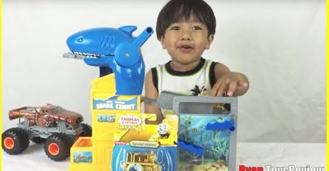 Ryan unboxed Thomas & Friends GOLD THOMAS the tank engine special edition