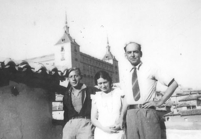 Laurie Lee, Mary Garman y Roy Campbell en Toledo, en agosto de 1935. Cortesía de Tess Campbell y Joseph Pierce