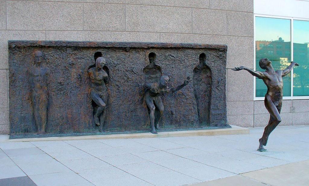 25 esculturas e estátuas criativas de todo o mundo 08