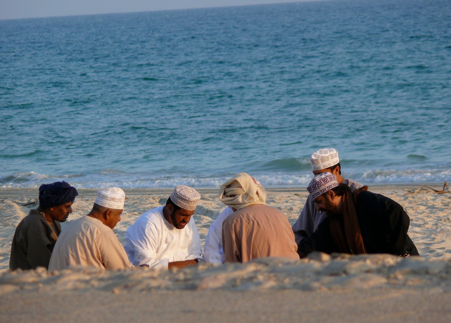 2012.02.23, Playing cards on the beach. (Salalah, Oman)