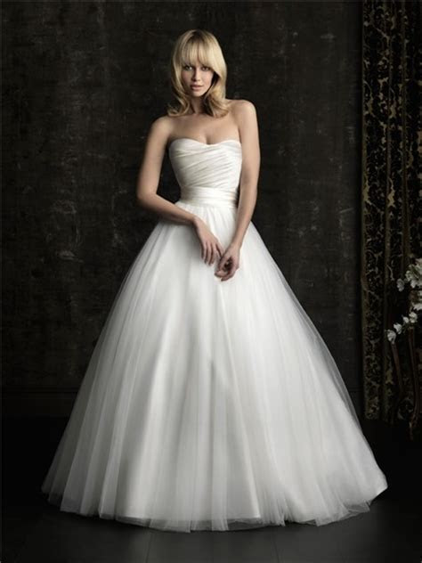 Simple Ball Gown Princess Strapless Plain Satin Tulle