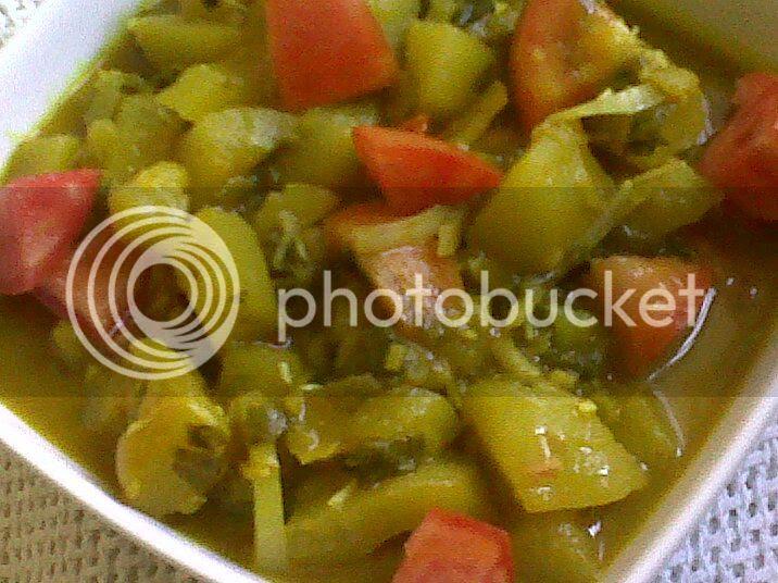Curried Green Papaya and Tomatoes