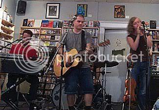 Fembots @ Soundscapes: photo by Mike Ligon