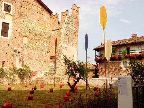 """Nella corte: """"castello di Buronzio"""" by Ylbert Durishti"""
