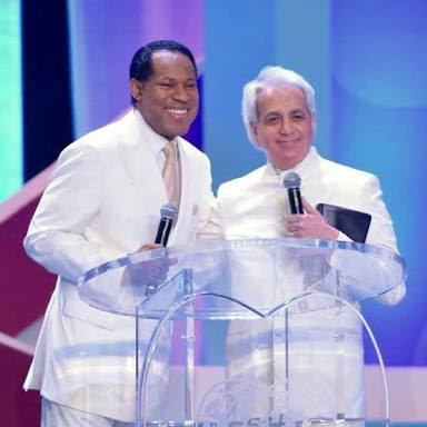 Benny Hinn 'Faints' As A Nigerian Sows $1 Million Into His Ministry (Video)