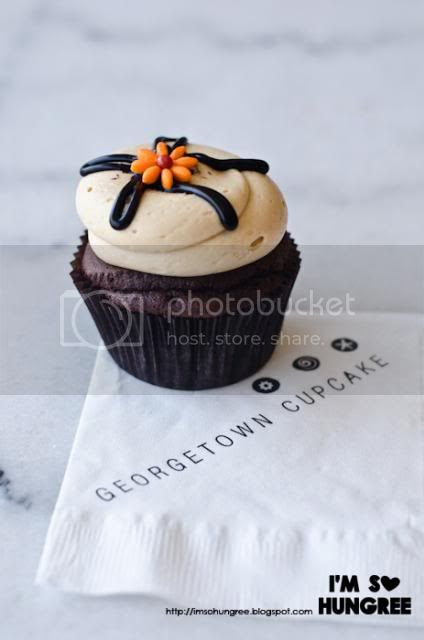 photo georgetown-cupcake-LA-4015_zpsc7eb4a8d.jpg