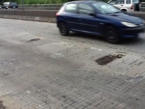 """Puente de la """"pletina"""" muestra grave deterioro (vídeo)"""