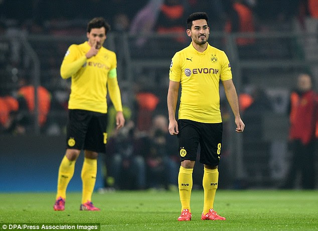 Hummels and Gundogan are likely to be lining up in red for United next year if Van Gaal gets his way