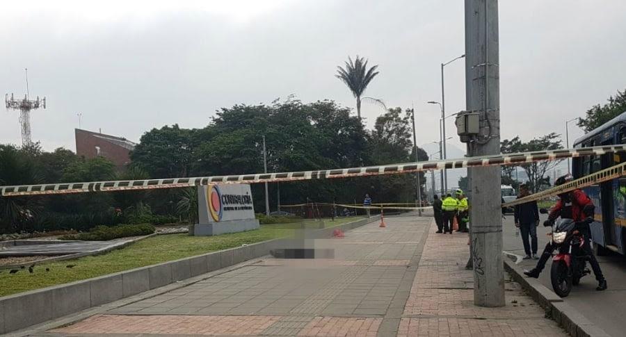 Un hombre se habría suicidado frente a Contraloría, en Bogotá