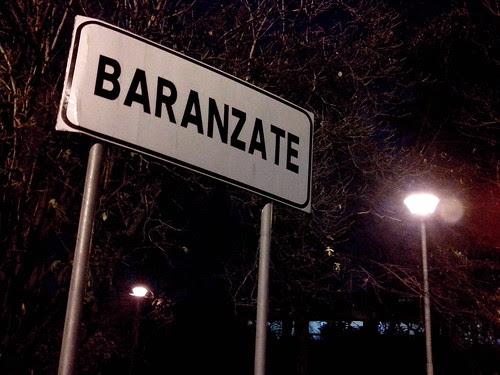 Baranzate e una lampadina by Ylbert Durishti