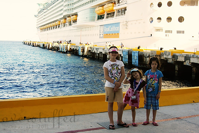 IMG_7639 girls on pier 2 web