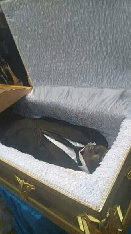 Burial Photos Of MC Worthy Comedian