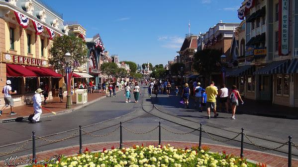 Disneyland, Disneyland Band, Bert