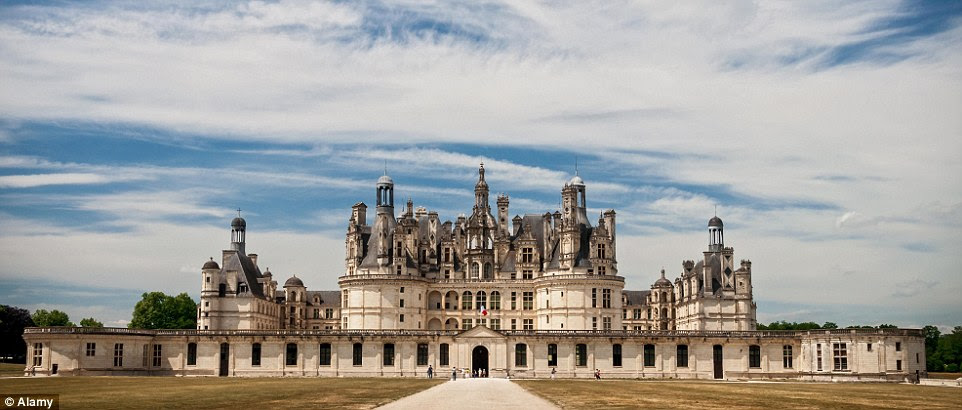 The building was constructed by King Francis I of France, and although never finished remains a hugely popular tourist destination