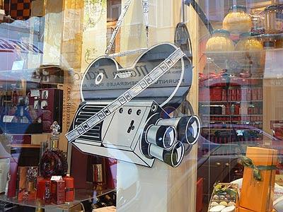 camera vitrine 2.jpg
